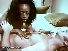 lesbian hardcore scissoring arabs babes Archive Video: City Women