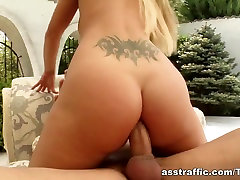 Martha gets her ass molly mae fucked by a horny guy.