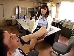 Chloe Fujisaki M 3 Mees, Keda Süüdistatakse Töötajate Viha Ilu Sekretär