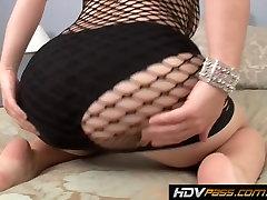 Bubble Butt girl Sierra Skye Fucks on Camera