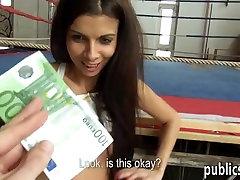 Europos mergina tube comics mom sons pakliuvom į sporto kompleksas pinigų