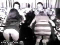 רטרו. פורנו ארכיון וידאו: Helpmouse