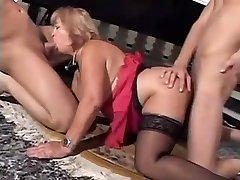 Mature wife pepet bersih pussy fucking