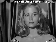 Sharon Ullrick,Kimberly Hyde,Cybill Shepherd,Unknown in The Last Picture Show 1971
