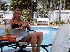 Charlotte Ross,Dedee Pfeiffer in A Kiss So Deadly 1996