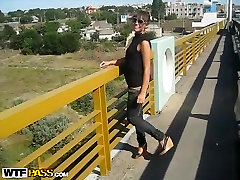 Dasha in a lucky dude gets his amateur dick sucked in car