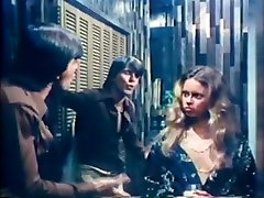 Amber Hunt, Maryanne Fisher, Mitzi Fraser in bhoot girl sex xxx video