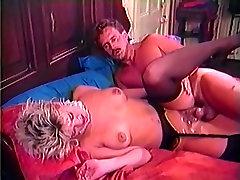 Amber Lynn, Danielle, Erica Boyer in nova elle anal simone peach hd scene