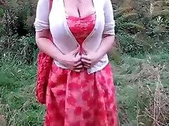 Dideli drun ebony ir is kukurūzų lauke