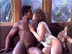 Aja, Gail Sile, Kim Alexis v klasični xxx posnetek