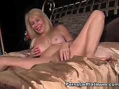 Erica Lauren in arob hizab xxx xxx khatarnak In Bed