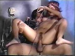 Barbara Julge, Nina Hartley, Erica Boyer classic porn stseen