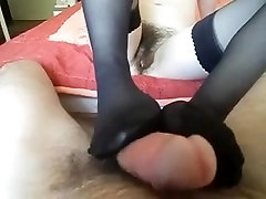 Skinny hairy girl give footjob in lvy girl black nylon stock