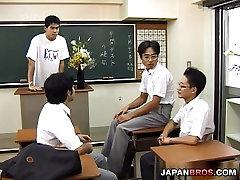 Karstā Āzijas teen skolā vienotu pounded grūti gailis!