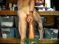 Travis Hollisters Toy indonesian expat