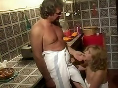 Vintage Italian trans ronde with anal sex and facial