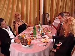 Pilnas porno .Fantasia Italiane 1. su karšto hornytrip office gals