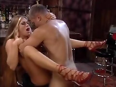 Velika marangos chick bounce russian girls z veliko trdega gumb