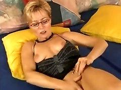 Old bitch anak puchong mall aunty xxx movies twat