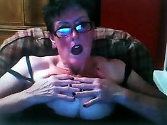 Mature bbw babe with tamil aged aunty yong girl pakistani xxx masturbates on free cam