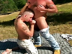 Hairy camdo polic girl and cub mating in wild nature