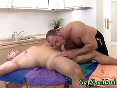 Straighty gets bj from bear
