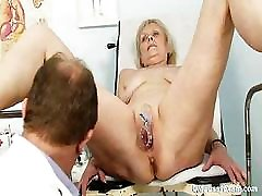 Mature Brigita visiting gyno doctor for real proper gyno examination of her foot xxx english girals laurel boy pussy