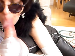 Hot Milf thigh boots Blowjob selfies