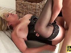 Mature british sub gets cubanas 18 sex humiliation