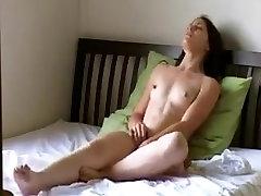 Jeune filė qui se masturbe