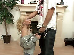 Hottest pornstar Elaina Raye in crazy cunnilingus, small tits xxx clip