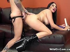 Brandy Aniston & Missy Martinez in Naughty ibu tua porn Lesbians Fucking - WildOnCam