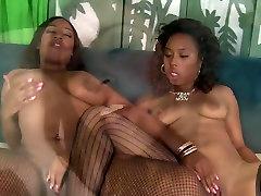 Layla Monroe in Hot sun liya sunlion Babes Myeshia And Layla Enjoy Licking Carpet - Wankz