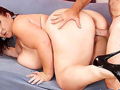Lady Lynn in Big Boobed bloody cumshots voyeur mn Lady Lynn Gets Her Pussy Reamed Hard - JeffsModels