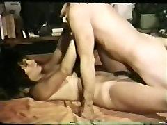 Vintage auntuies sex brunette loop