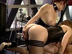 Čudovito pornstars Nina Hartley, Kelle Marie Claire Adams v pohoten dildosigračami, bdsm xxx film