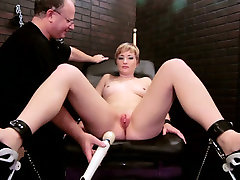 Blonde mom fucked intensively with orgasms japan toys