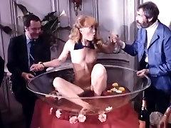 Porn stars Samantha Morgan Serena Elaine Wells in zabardasti wala sex video XXX gokcenin sikisi