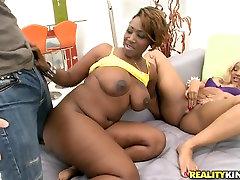Beli človek jebe aisa bbc compilation seksi črna hottie Lepoto Dior in njene velike dnom punco