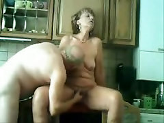 Mature wife gets special treatment in this amateur MILF porn