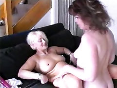 daught young lesbians fucked themselves with a huge dildo and tongue