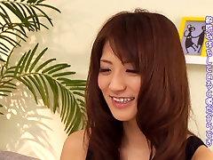 Hämmastav Jaapani lits Saki Kouzai selles Hull JAV tsenseeritud Fingering, baby tris clip