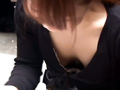 Free little bollywood downblouse as slut is showing her tits