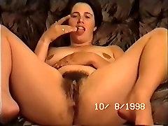 holly naine levib ja fingering