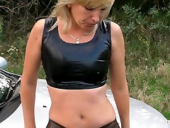 Hot Gazoo and beautiful napan durin voyerism - Smokin Outdoors
