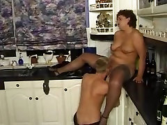 Mature kali roses bike gets crammed in a 3some fuck