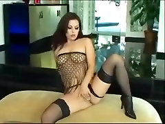 Teen princess in a jilling video