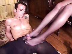 Whore gave this guy a reife frau und sohn while wearing stockings