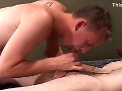 Vročih moški pornstar Dexdon Daniels v neverjetno dildosigrače, masturbacija homoseksualne porno video