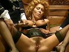 Vintage porno posnetek s sexy dekle prekleto v nogavice